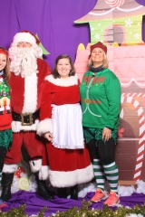 Selfless Elf Portraits with Santa (104 of 153)