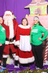 Selfless Elf Portraits with Santa (109 of 153)