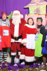 Selfless Elf Portraits with Santa (122 of 153)