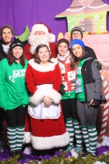 Selfless Elf Portraits with Santa (132 of 153)