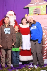 Selfless Elf Portraits with Santa (134 of 153)