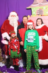 Selfless Elf Portraits with Santa (152 of 153)