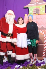 Selfless Elf Portraits with Santa (45 of 153)