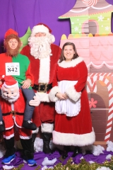 Selfless Elf Portraits with Santa (55 of 153)