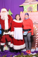 Selfless Elf Portraits with Santa (100 of 153)
