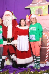 Selfless Elf Portraits with Santa (103 of 153)