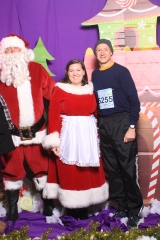 Selfless Elf Portraits with Santa (112 of 153)