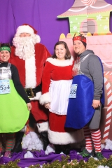 Selfless Elf Portraits with Santa (127 of 153)