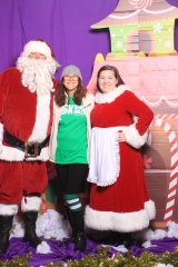 Selfless Elf Portraits with Santa (129 of 153)