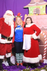 Selfless Elf Portraits with Santa (141 of 153)