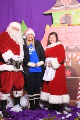 Selfless Elf Portraits with Santa (144 of 153)