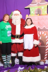 Selfless Elf Portraits with Santa (53 of 153)