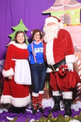 Selfless Elf Portraits with Santa (59 of 153)