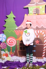Selfless Elf Portraits with Santa (64 of 153)