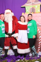Selfless Elf Portraits with Santa (80 of 153)
