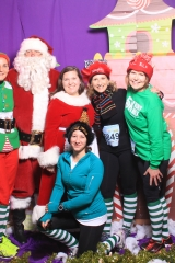 Selfless Elf Portraits with Santa (93 of 153)
